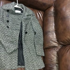 Guess coat-size small